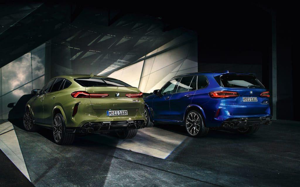 Grüner und blauer BMW